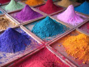 Колір — це потужне джерело енергії, яке впливає на нас ззовні постійно та невловимо.