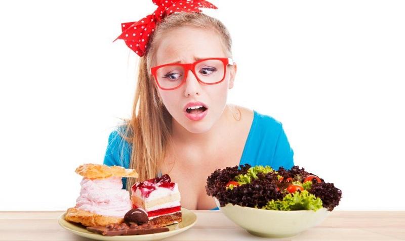 Психологічні причини переїдання: як собі допомогти?